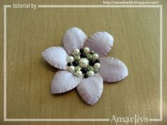 Amarilys's Scrappy Corner - making flowers from a circle punch - Cute!