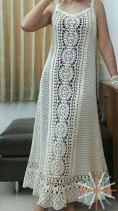 Crochet Tunic Pattern, Crochet Cardigan, Classy Coctail Dress, Crochet Summer Dresses, Christening Gowns Girls, Fancy Blouse Designs, Crochet Woman, Knit Fashion, Beautiful Crochet