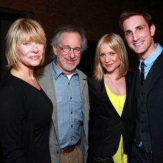 Kate Capshaw, Steven Spielberg, Jessica Capshaw e  Christopher Gavigan.
