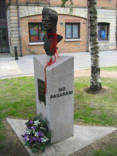 Belfast, julio de 2009, en recuerdo de los brigadistas internacionales... Bob Doyle... Viva la 5ª Brigada!, Christy Moore.