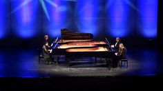 12 Pianists: Jerome Kern / Genuit Smoke gets in your eyes 4 pianos 8 hands
