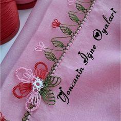 Yeni Yıla Özel Yeni İğne Oyası Modelleri Crochet Curtain Pattern, Crochet Curtains, Curtain Patterns, Needle Lace, Baby Booties, Projects, Log Projects, Blue Prints, Cortinas Crochet