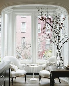 Refined Simplicity // white breakfast nook