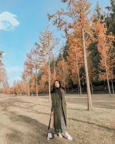 "114rb Suka, 315 Komentar - Hanggini Purinda Retto | JeHa (@hanggini) di Instagram: ""🌿🌿 | 📷 @marishachacha"" Country Roads, Ootd, Poses, Fashion Outfits, Artist, Instagram, Travel, Beautiful, Random"