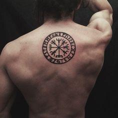 70 viking compass tattoo designs for men - vegvísir ink ideas - tatoo Viking Compass Tattoo, Simple Compass Tattoo, Compass Tattoo Design, Norse Tattoo, Viking Tattoo Design, Tattoo Designs Men, Tattoo Simple, Neue Tattoos, Body Art Tattoos