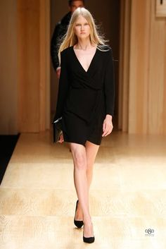Mango Fall/Winter fashion brand Mango tapped top model Toni Garrn to open and close its fall-winter 2014 runway show which also happened to open… Moda Barcelona, Barcelona Fashion, Toni Garrn, Spanish Fashion, Mango Fashion, Fall Winter 2014, Manga, Fashion Brand, Fashion Moda