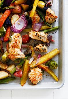 Low Carb Recipes To The Prism Weight Reduction Program Sheet Pan Chicken And Veggie Dinner Lexi's Clean Kitchen Healthy Chicken Recipes, Paleo Recipes, Healthy Snacks, Dinner Recipes, Healthy Eating, Cooking Recipes, Healthy Life, Pan Cooking, Meal Recipes