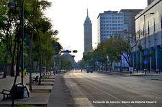Avenida Juárez. / Juárez ave.