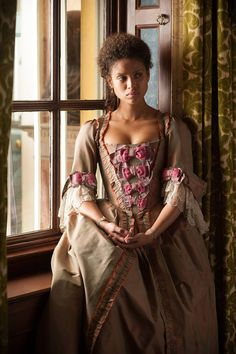 Belle - Gugu Mbatha-Raw as Dido Elizabeth Belle wearing a period taffeta dress; the sleeves are decorated with lace flounces, while the bodice is embellished with a row of contrasting bows. The costumes were designed by Anushia Nieradzik. Historical Costume, Historical Clothing, Mode Costume, 18th Century Fashion, Taffeta Dress, Period Outfit, Period Costumes, Period Dramas, Period Movies