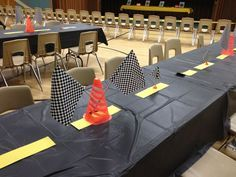 This is a cool way to decorate your tables for your Pinewood Derby.
