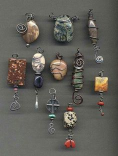 Learn how to take a simple crystals point and turn it into wearable art in only 6 steps! 92 wiring wrapping diy jewelry - YS Edu Sky Lernen Sie, wie man einen einfachen Kristallpunkt in nur 6 … - Schmuck Quotes that inspire fire in you Rock Jewelry, Stone Jewelry, Metal Jewelry, Beaded Jewelry, Handmade Jewelry, Stone Necklace, Wire Pendant, Wire Wrapped Pendant, Wire Wrapped Jewelry