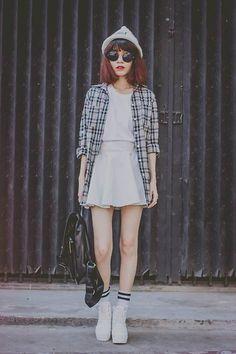 Stylish Ways To Wear A Plain White T-Shirt / Modalitati De A Purta Un Tricou Alb Cu Stil