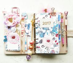 Planner Interior Wk 1 2017  IG: @happy_arty_days  Thanks for following