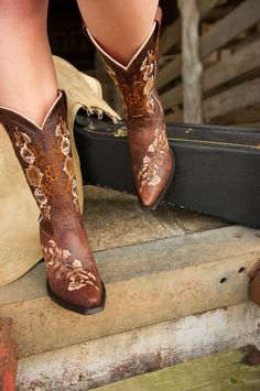 Macie Bean photo shoot - All boots & clothing provided by Six Shooter Junction in Hempstead, Texas. Photo credit KC Creations http://kccreationsphotographyblog.blogspot.com/