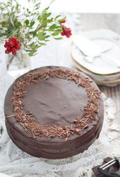 Sachertorte Eef kocht so – margareta Chocolate Stores, Chocolate Art, Chocolate Desserts, Baking Bad, Cake Recipes, Dessert Recipes, Covered Strawberries, Cake Cookies, Yummy Cakes