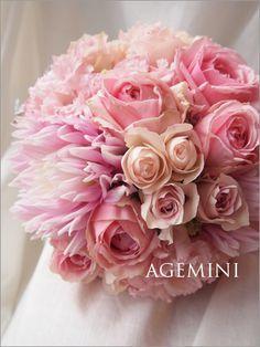 ダリアとローズのクラッチブーケ。 |Dhalia and rose wedding bouquet|Agemini