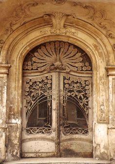 Интересное и забытое - быт и курьезы прошлых эпох. - Необычные двери. Часть 2.