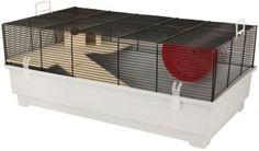 """Das Mäuse- und Hamsterheim Elmo """"XL"""" ist komplett ausgestattet und bietet mit einer Holzetage, einer Holzleiter, Holzhaus und einem Laufrad einen schönen Lebensraum für Ihre kleinen Freunde. Erhältlich in verschiedenen Größen und in der Farbkombination blau-hellblau."""