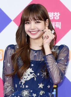 Read BLΛƆKPIИK at SBS Gayo Daejun 2017 from the story 𝐁𝐋𝐀𝐂𝐊𝐏𝐈𝐍𝐊 𝐈𝐍 𝐘𝐎𝐔𝐑 𝐀𝐑𝐄𝐀 🖤 by lllls_m (🐨) with 571 reads. Kpop Girl Groups, Korean Girl Groups, Kpop Girls, Jennie Lisa, Blackpink Lisa, Forever Young, Yg Entertainment, K Pop, Got7 Bam Bam