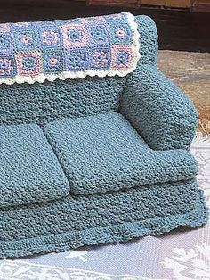 "Kitty Couches - Green Sofa - Technique Crochet - Size: 12"" tall x 12"" deep x 18 1/2"" wide. Crocheted using worsted yarn. - Skill Level: Intermediate"