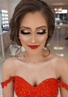 Must Have 80 Makeup Ideas to Try in 2019 - - Must Have 80 Makeup Ideas to Try in 2019 Beauty Makeup Hacks Ideas Wedding Makeup Looks for Women Makeup Tips Prom Makeup ideas Cut Natural Makeup Hal. Pageant Makeup, Homecoming Makeup, Prom Makeup Red Dress, Makeup Looks For Red Dress, Makeup For Prom, Graduation Makeup, Prom Hair, Makeup 2018, Ball Makeup