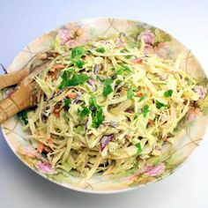 Looking for Fast & Easy Side Dish Recipes, Vegetarian Recipes! Recipechart has over free recipes for you to browse. Find more recipes like Curry Coleslaw. Southern Coleslaw Recipe Vinegar, Coleslaw Recipe From Scratch, Mustard Coleslaw Recipe, Coleslaw Sauce, Spicy Coleslaw, Vinegar Coleslaw, Coleslaw Dressing, Coleslaw Recipes