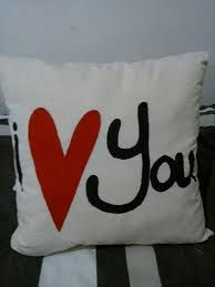 almohadas decoradas para el 14 de febrero - Buscar con Google
