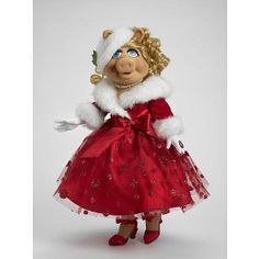 We Wish You a Merry Piggy - Miss Piggy Fashion Doll review | buy, shop with friends, sale | Kaboodle