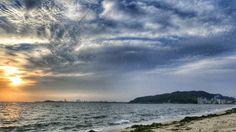 28  June 5:46 早朝の博多湾、長垂(ながたれ)海岸です。 Morning  at  Hakata bay in Japan