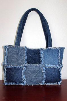 Bag of old jeans tutorial. Bag of old jeans Denim Tote Bags, Denim Handbags, Denim Purse, Artisanats Denim, Diy Sac, Sacs Diy, Blue Jean Purses, Diy Bags Purses, Diy Jeans