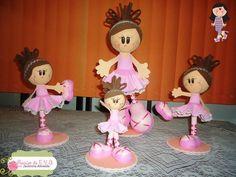 Fofuchas bailarinas em vários tamanhos, feita em EVA Tamanho 12cm = 15,00 Tamanho 24cm = 25,00 Tamanho 35cm = 35,00
