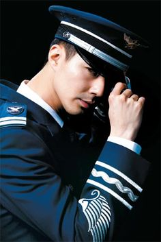 Zo In Sung  http://joongangdaily.joins.com/_data/photo/2011/03/16212823.jpg