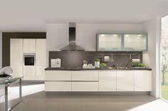 Hi+gloss+handleless+white+kitchen