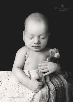 Black and White newborn baby photo idea