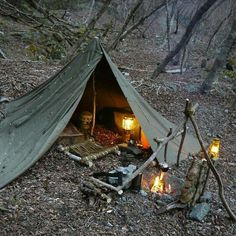 bushcraft equipment, leading bushcrafter concepts and also survival abilities - Andy Gale - Buscraft Camping Bushcraft Camping, Bushcraft Equipment, Bushcraft Skills, Bushcraft Gear, Camping Survival, Outdoor Survival, Survival Prepping, Survival Skills, Bushcraft Backpack