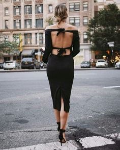 All black outfit / Street style fashion / #fashion #womensfashion #streetstyle #ootd #style  / Pinterest: @fromluxewithlove Glam Dresses, Dresses For Teens, Maxi Dresses, Elegant Dresses, Pretty Dresses, Summer Dresses, Formal Dresses, Wedding Dresses, Fashion Week 2018