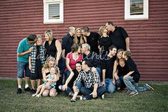 group kissing photo - would be fun for the whole family to do @Alisha Ryan what do you think?