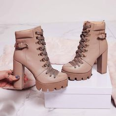 Shoespie Stylish Lace-Up Front Chunky Heel Plain Platform Boots Chunky Heel Ankle Boots, Platform Ankle Boots, High Heel Boots, Shoe Boots, Unique Shoes, Cute Shoes, Timberland Heels, Timberland Outfits, Timberland Fashion