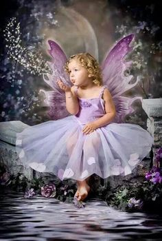 Lilac fairy Plus Fairy Pictures, Angel Pictures, Fairy Land, Fairy Tales, Fairy Photoshoot, Fairy Photography, Fairies Photos, Butterfly Fairy, Butterfly Kisses