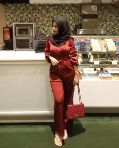 #hijab #hijabseksi #hijabcantik #jilboobs #jilbab #jilbabcantik #jilbabseksi #ootd #jilbaber #jilbaberindo #seksijilbaber #jilbaberseksi #mahmud #mama Arab Girls Hijab, Girl Hijab, Muslim Girls, Beautiful Muslim Women, Beautiful Hijab, Kebaya Hijab, Myanmar Women, Muslim Women Fashion, Muslim Beauty