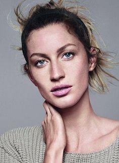 que tal se inspirar na Gisele Bündchen e mostrar a sua pele com pouca make? você vai ver que só a base e o corretivo já te deixam linda!