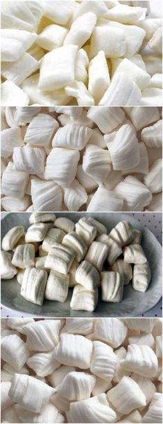 APRENDA A FAZER ESSAS DELICIOSAS BALAS DE COCO CASEIRA, NÃO TEM MELHOR!! VEJA AQUI>>>Misture todos os ingredientes em uma panela funda. Coloque em fogo médio e mexa até dissolver o açúcar. #receita#bolo#torta#doce#sobremesa#aniversario#pudim#mousse#pave#Cheesecake#chocolate#confeitaria Mousse, Cheesecake, Stuffed Mushrooms, Chocolate, Vegetables, Pudding, Fire, Sweet Recipes, Dessert
