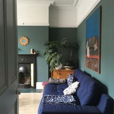 Edwardian living room in Inchyra Blue. Edwardian living room in Inchyra Blue. Farrow And Ball Living Room, New Living Room, Dado Rail Living Room, Dark Blue Living Room, Dining Room Blue, Living Area, Decor Inspiration, Living Room Inspiration, Victorian Living Room