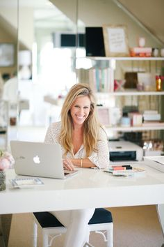 If you've spent any time browsing the world wide web lately, you've probably come across the lovely Amanda of The Fashionable Hostess. We adore her, and she is quite literally the hostess with the mostess. With her exquisite taste and her