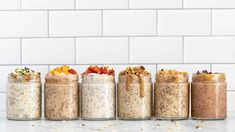 Here's 6 easy and healthy recipes for how to make OVERNIGHT OATS! These make delicious vegan, gluten-free breakfast ideas. Recipes with strawberries, peaces, banana, chocolate, coconut, you name it! SO yum. Make Ahead Breakfast, Healthy Breakfast Recipes, Free Breakfast, Healthy Snacks, Breakfast Ideas, Healthy Recipes, Healthy Eating, Oatmeal Recipes, Strawberry Recipes