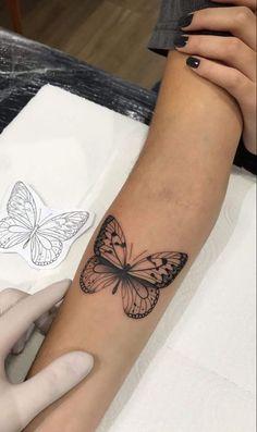 Feminine Tattoos on Forearm: The 25 Best Ideas # 2 - Photos and Tattoos - Forearm Tattoos for Women: Top 25 Ideas – Photos and Tattoos - Hand Tattoos, Elbow Tattoos, Dainty Tattoos, Neue Tattoos, Forearm Tattoos, Body Art Tattoos, Tatoos, Tattoo Arm, Feminine Tattoos