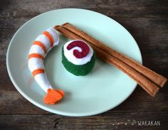 Hey, I found this really awesome Etsy listing at https://www.etsy.com/es/listing/178006448/juguete-para-gato-sushi-kit-con