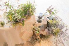 アンティークなステンドグラスが特徴的な大聖堂と、自然光あふれる披露宴会場をもつ… Centerpieces, Table Decorations, Eternal Love, Garden Wedding, Color Mixing, Wedding Styles, Beautiful Flowers, Arch, Elegant
