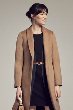 We know—hunting for the ideal winter coat can be an endless endeavor. So we cut to the chase and created the Abingdon, which features a slim, tailored silhouette and unbelievable warmth.