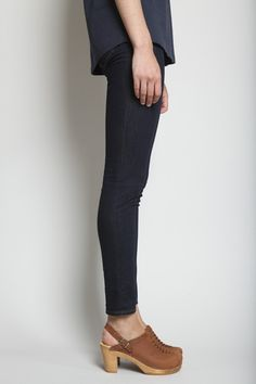 Skinny jeans, blouse and clog heels